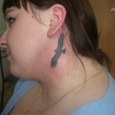 Модная тема для тату - силуэт птицы