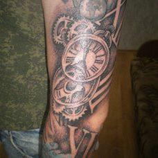 """Мужская татуировка, элемент """"рукава"""" - полной забивки руки"""