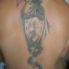 Татуировка воина на спине